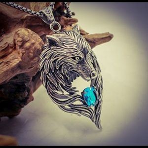 VTG Stainless Steel Blue Sapphire Wolf Necklace